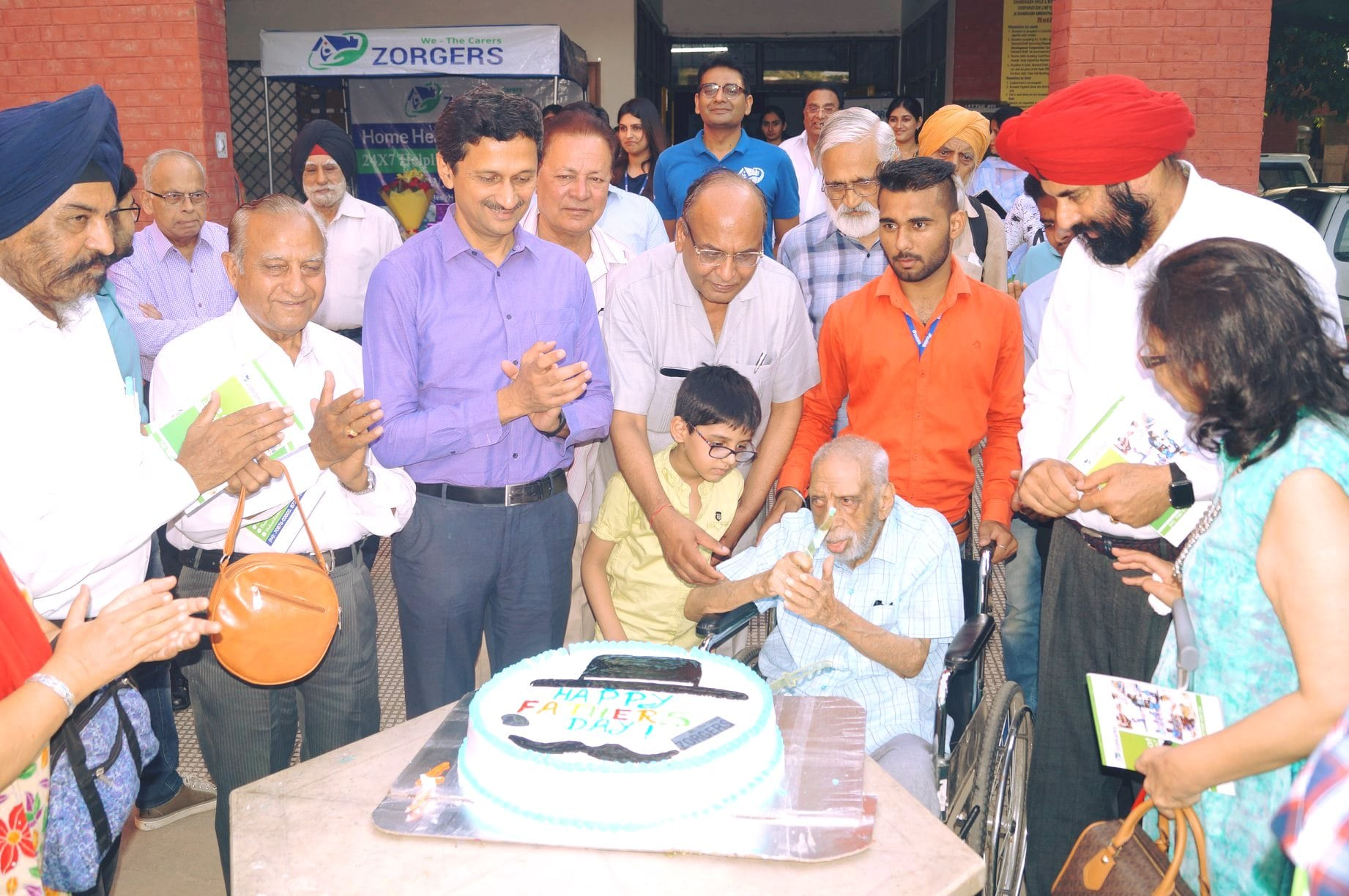 Zorgers celebrate Father's Day at Senior Citizens' Home in Sector 43